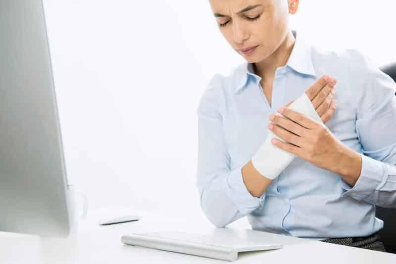complications canal carpien opéré - effet secondaire douleur paume de la main