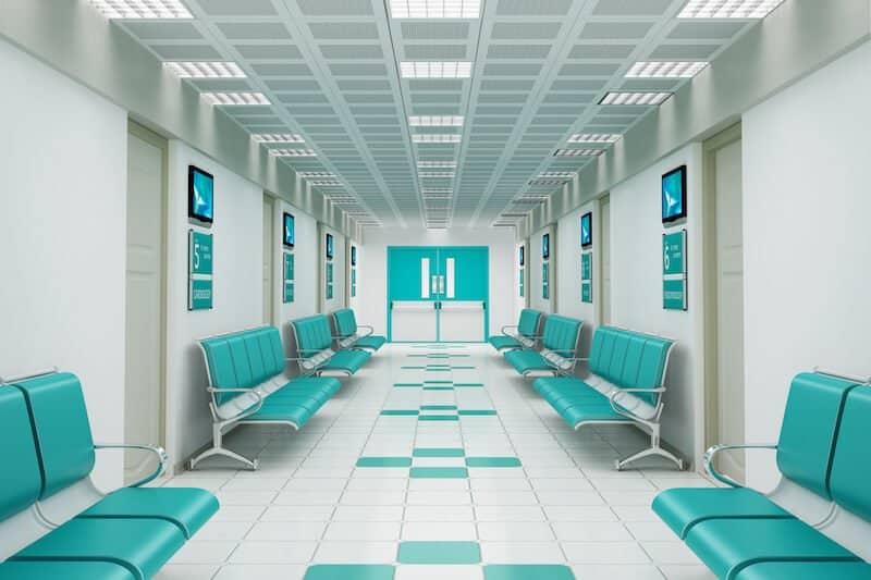 salle attente avant chirurgie canal carpien