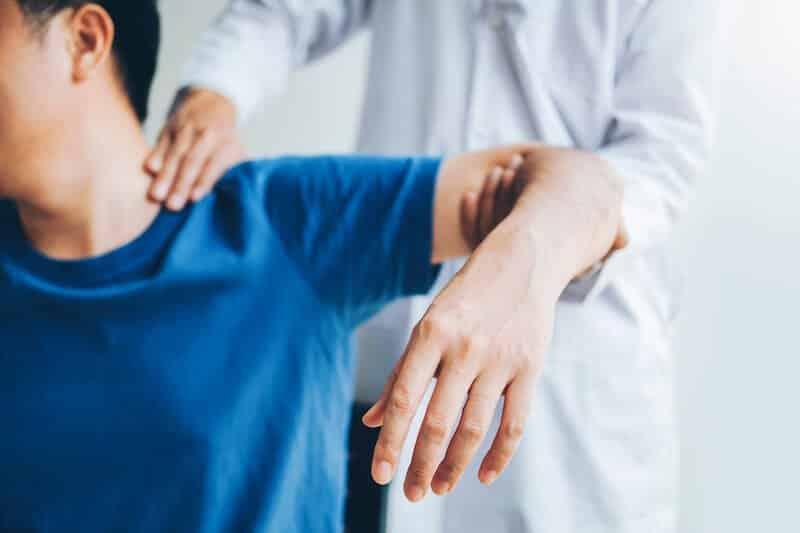 syndrome canal carpien symptomes et diagnostic - canal carpien douleur épaule - tunnel carpien douleur épaule - symptome canal carpien bras gauche